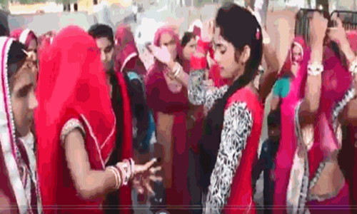 dance on GST song